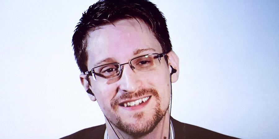 Сноуден попросил продлить ему вид на жительство в России на 3 года
