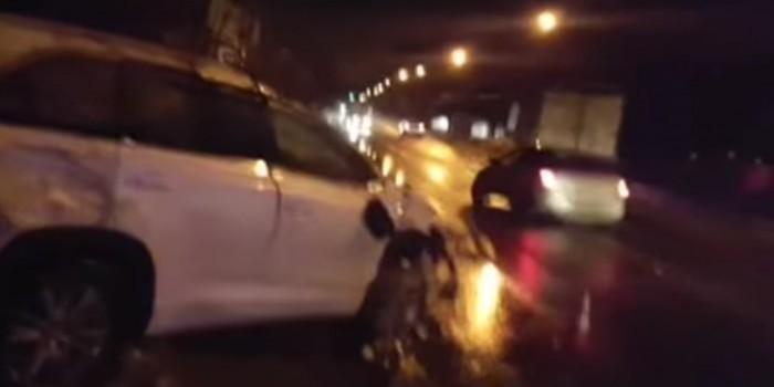 Появилось видео с места аварии, в которой пострадал Караченцов