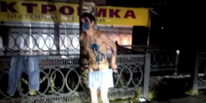 """Тагильские таксисты раздели """"неплательщиков"""" и облили зеленкой"""