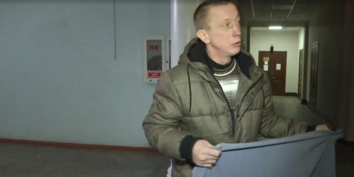 """На Украине бывший """"киборг"""" получил 3 года за украденный флаг"""