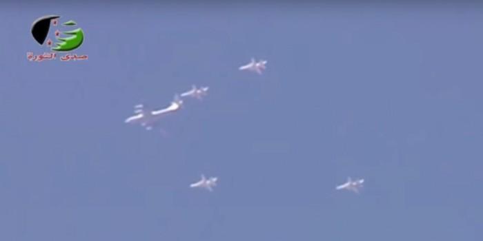 В сирийском небе замечены бомбардировщики в российской раскраске