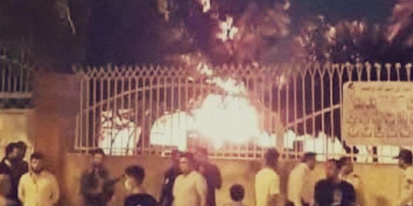 В Иране подожгли больницу с зараженными коронавирусом