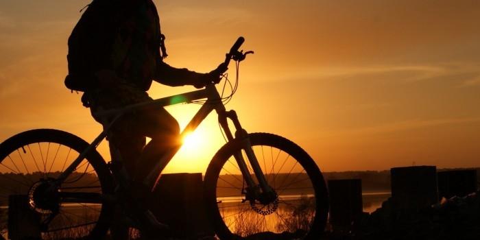 В Ставропольском крае преступник на велосипеде облил троих девушек кислотой