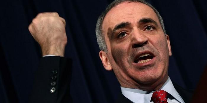 """Каспаров рассказал о """"путинской агентуре"""" в мире и будущем нападении России на НАТО"""