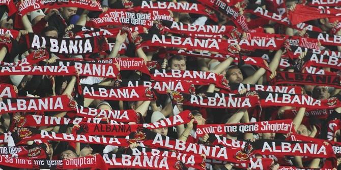 В анусе албанского фаната самовозгорелся спрятанный файер