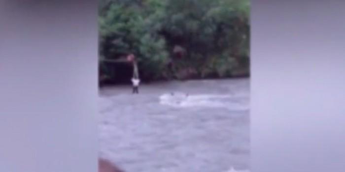 В Дагестане погиб полицейский, пытаясь достать машину из горной реки