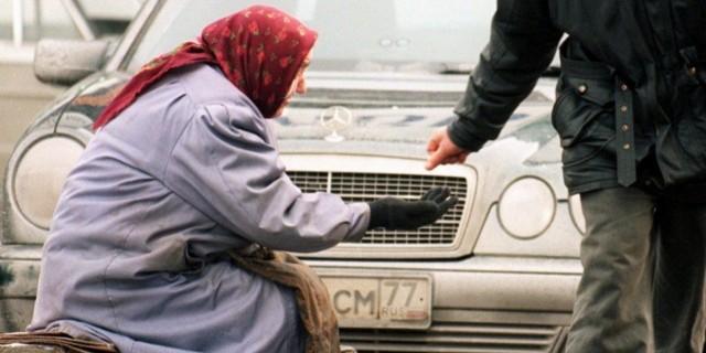 Глава Минпромторга рассказал, сколько выделят на продуктовую помощь малоимущим