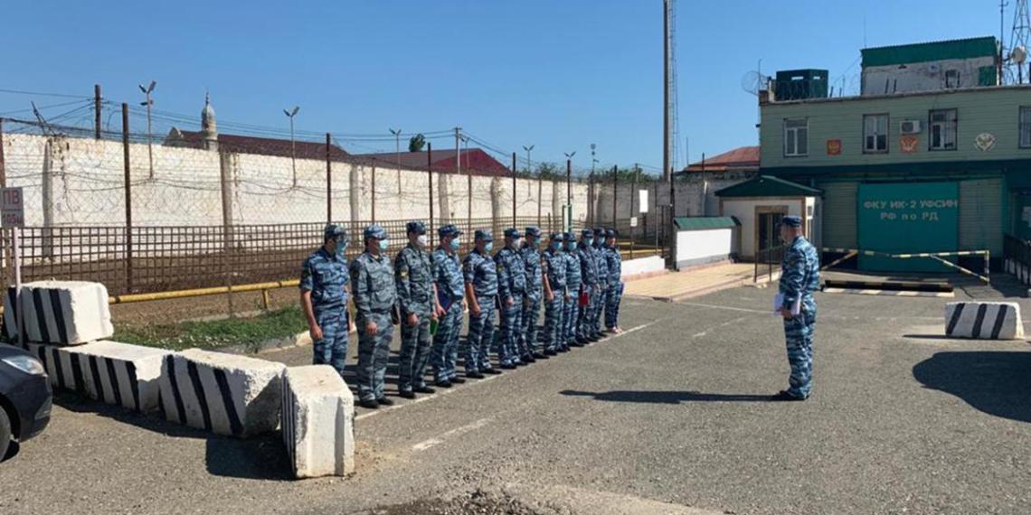 """Минюст расследует """"пытки"""" заключенных колоний гимном России"""