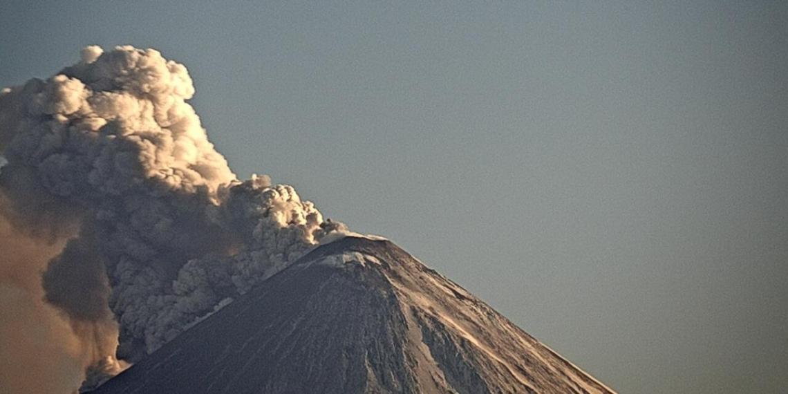 На Камчатке началось лавовое извержение Ключевского вулкана