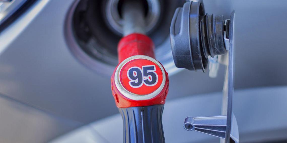 Белоруссия прекратила поставки бензина А-95 на Украину, где занимает 50% рынка