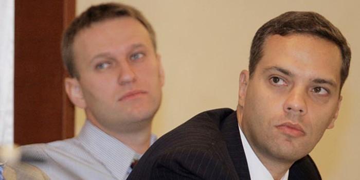Журналист заснял встречу сотрудников штаба Навального с американской НКО