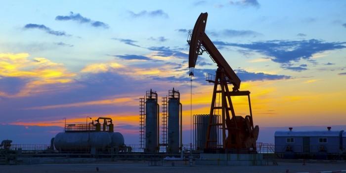 Минфин привлечет 300 млрд рублей в бюджет в 2016 году за счет нефти и газа