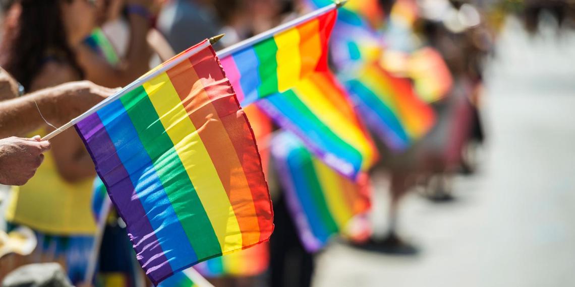 В Латвии назначили проведение гей-парада на день ВДВ