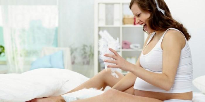В Находке беременные взбунтовались из-за запрета на курение в роддоме