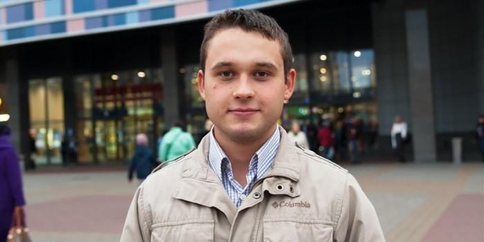 Самый молодой депутат Заксобрания Петербурга отвечает на вопросы граждан одной и той же фразой