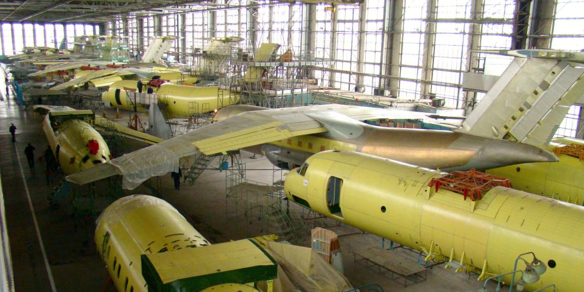 """Производство самолетов """"Ан"""" перенесут из Украины в Канаду"""
