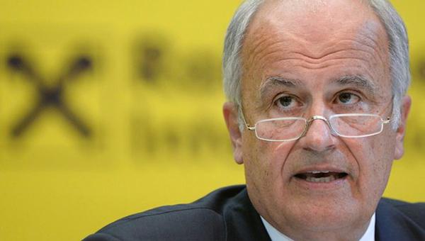 Глава Raiffeisenbank: США собираются бороться с Россией до последнего европейца