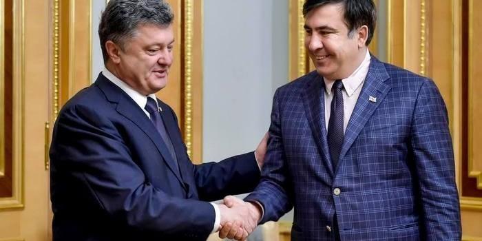 Порошенко рассказал, когда Саакашвили назначат премьером