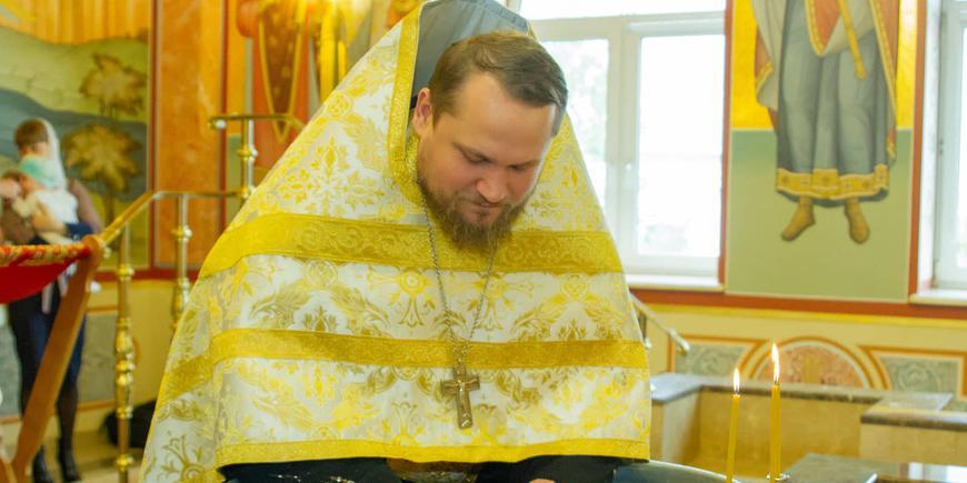 """""""Надо крестить заново"""": в РПЦ забраковали ритуалы Православной церкви Украины"""