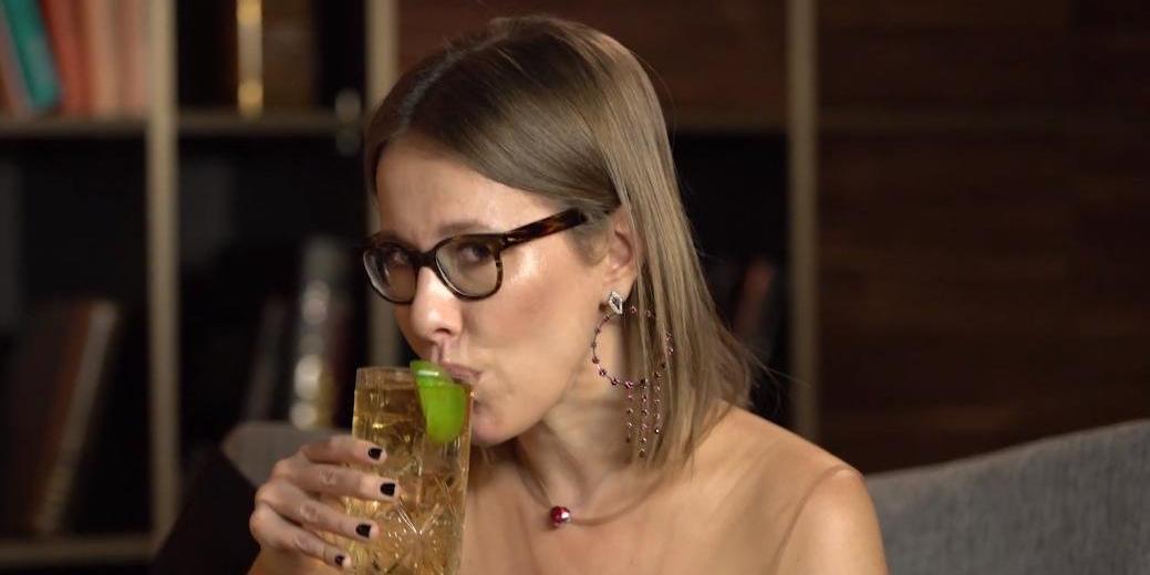 """Ведущая """"Дома-2"""" рассказала, как пьяная Собчак после свадьбы справила нужду в подъезде хрущевки"""