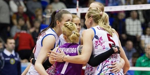 Турецкие болельщики забросали мусором российских волейболисток
