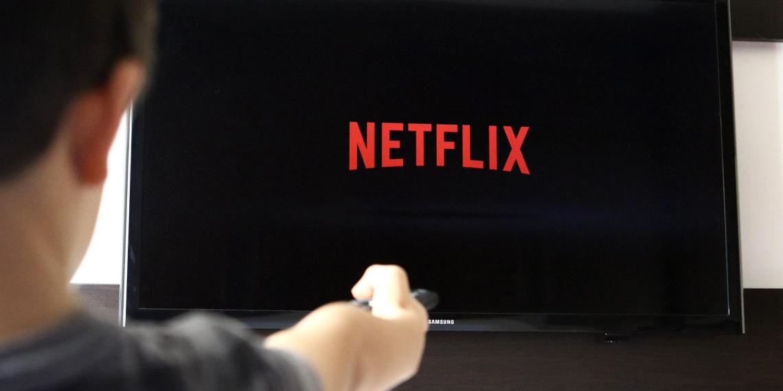 Netflix начал заказывать съемки сериалов у российских продюсеров