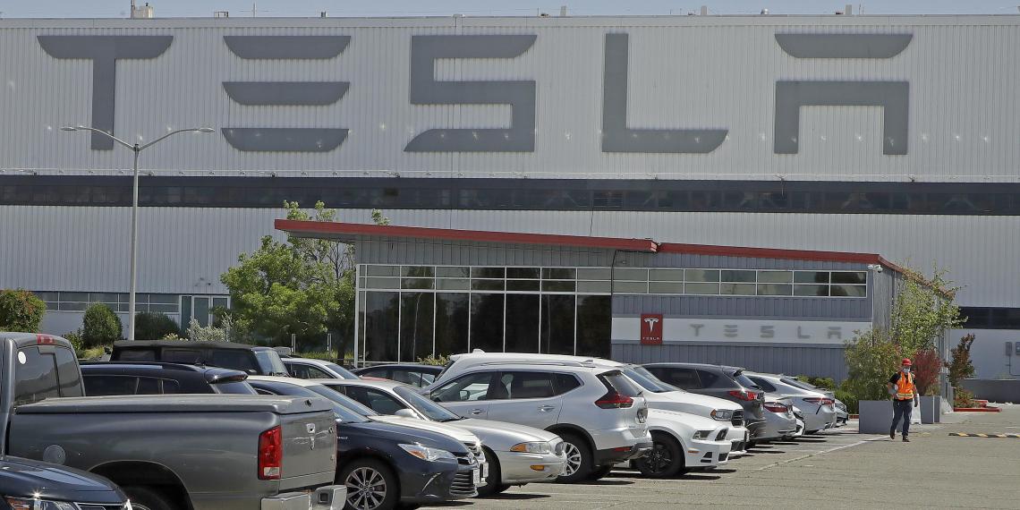 Россиянину дали срок в Америке за подготовку кибератаки на Tesla