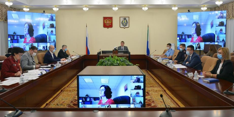 Дегтярев поручил возобновить работу объектов спорта в районах с низкой заболеваемостью COVID-19