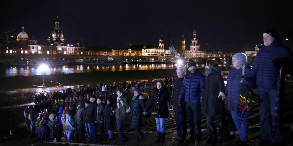Немцы напомнили о военных преступлениях союзников в день 75-летия бомбардировок Дрездена