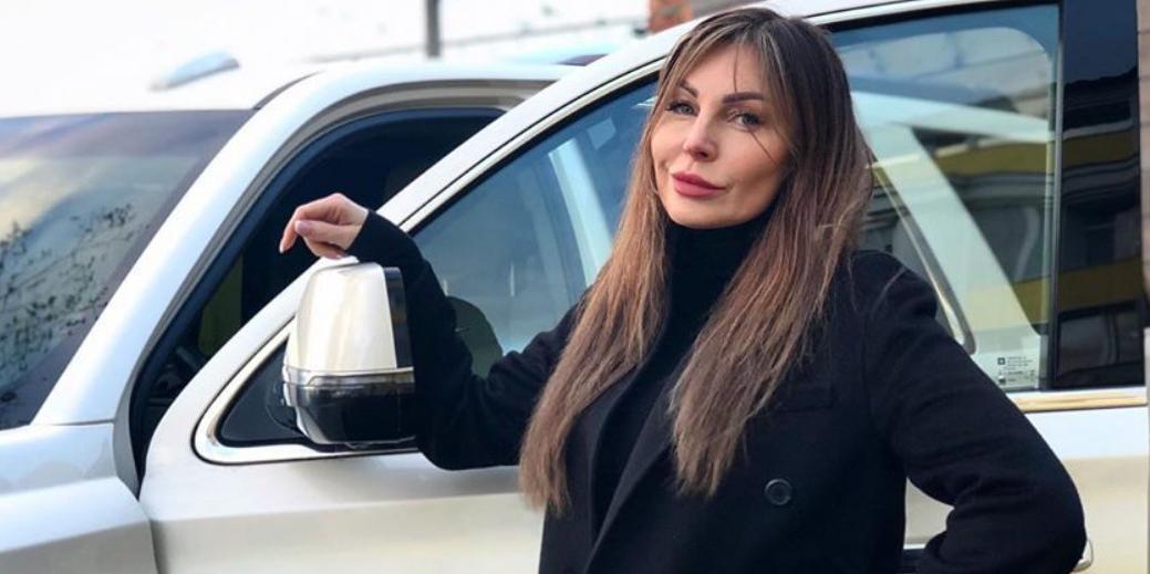 """Бочкарева продает """"легендарную"""" машину, на которой ее задержали с кокаином"""