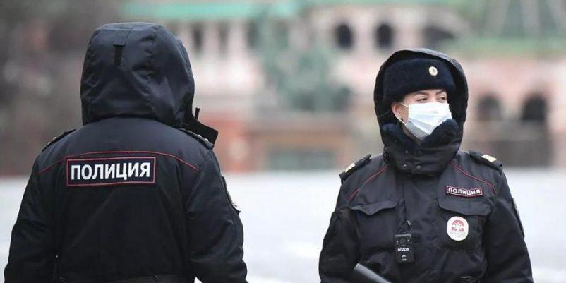 """Охеревший?"": сотрудница полиции без маски пригрозила тюменцу штрафом за отсутствие маски"
