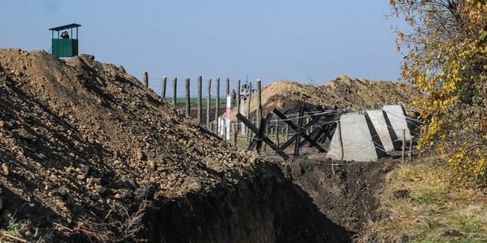 Украина назвала сумму, в которую ей обойдется стена на границе с Россией