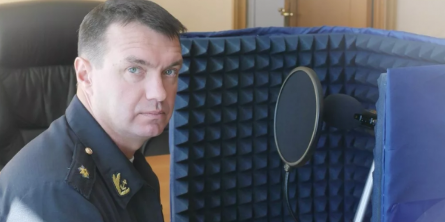 В Петербурге дорожные инспекторы составили протокол на главу разведки ВМФ