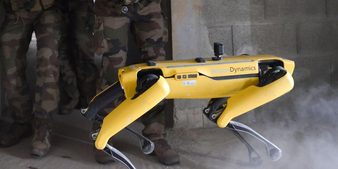 Французская армия провела военные учения с роботом-собакой от Boston Dynamics
