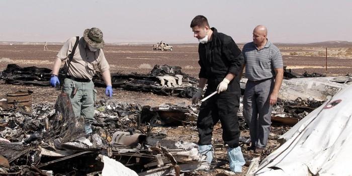 Разбившийся российский авиалайнер мог загореться в воздухе