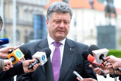 Порошенко передумал: перемирие не работает, нужны новые санкции