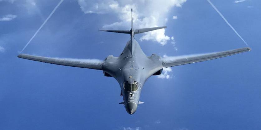 Американский аналог Ту-160 пролетел у западных границ России