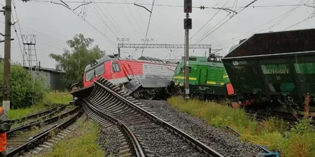 Появилось видео с места столкновения поездов в Петербурге