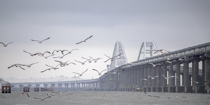 Крымский мост впервые закрыли