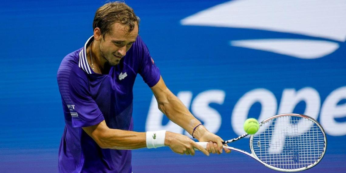 Даниил Медведев попал в первую десятку самых высокооплачиваемых теннисистов в мире