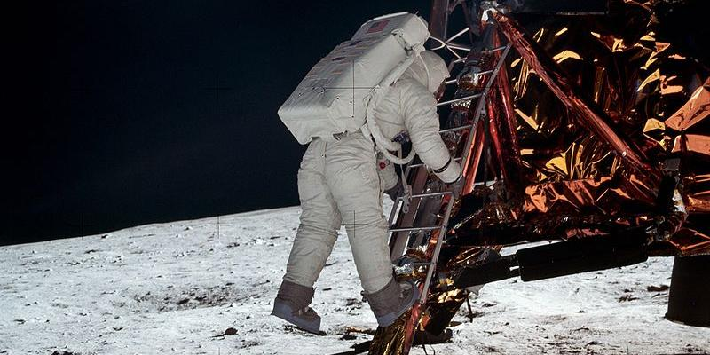 Академик РАН назвал причины проигрыша СССР в лунной гонке с США в 60-х