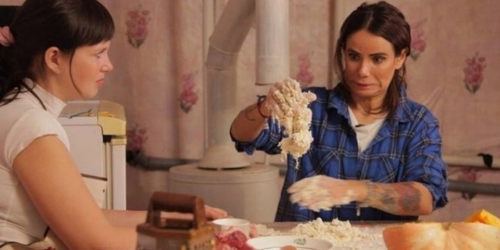 Айза Долматова станет крестьянкой в новом реалити-шоу