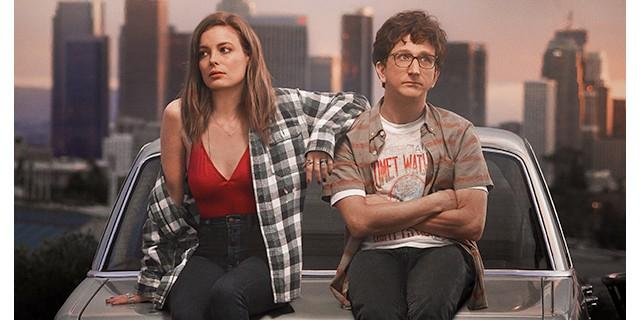 """Netflix показал трейлер новой романтической комедии со звездой """"Сообщества"""""""