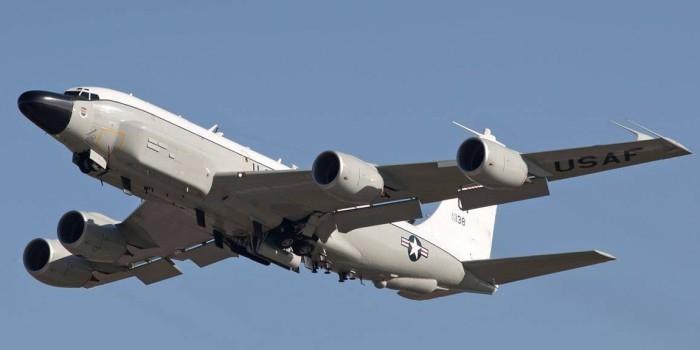 За день к российским базам и границам подлетали пять самолетов-разведчиков США