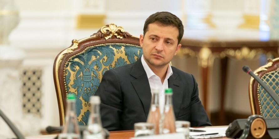 Зеленский решил пересмотреть сценарии урегулирования ситуации в Донбассе
