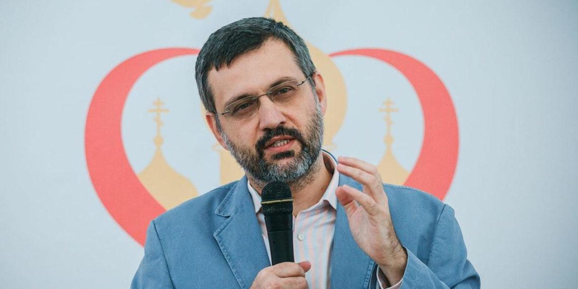 В РПЦ объяснили скандальные слова Смирнова о школьном образовании для девочек