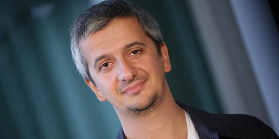 Режиссер Богомолов увидел проявление патриотизма в мате со сцены театра