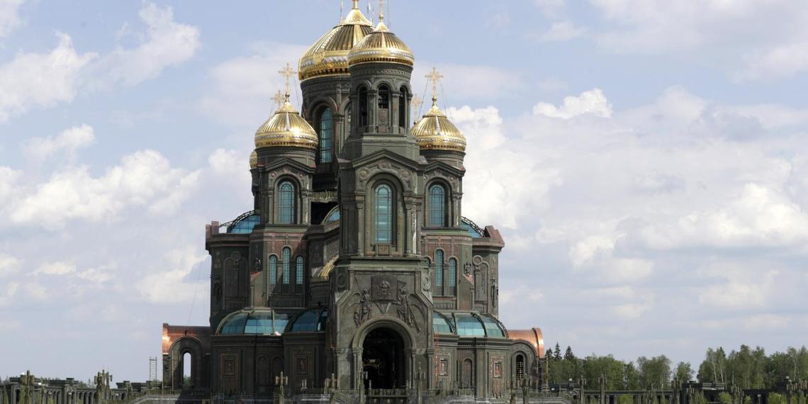 Путин посетил главный храм Вооруженных сил