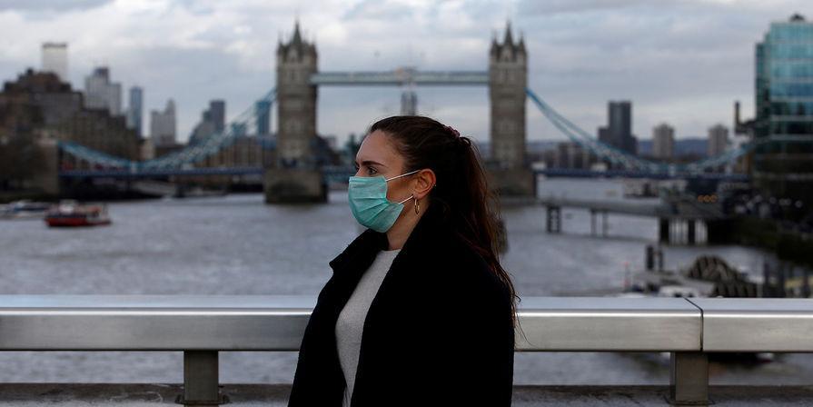 После вакцинации 64% населения Британия отменяет почти все ковидные ограничения