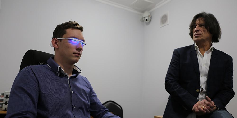 Ростех начнет выпускать очки для борьбы с бессонницей